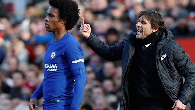 Chelsea boss Antonio Conte could be sacked and replaced by Maurizio Sarri