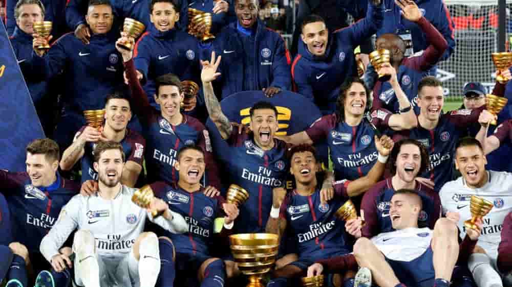 Paris Saint-Germain midfielder in talks with both Manchester clubs