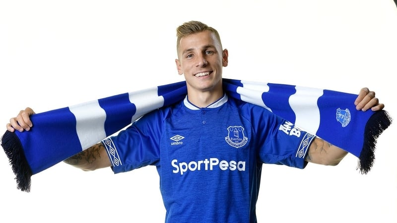 Everton sign defender Digne from Barcelona