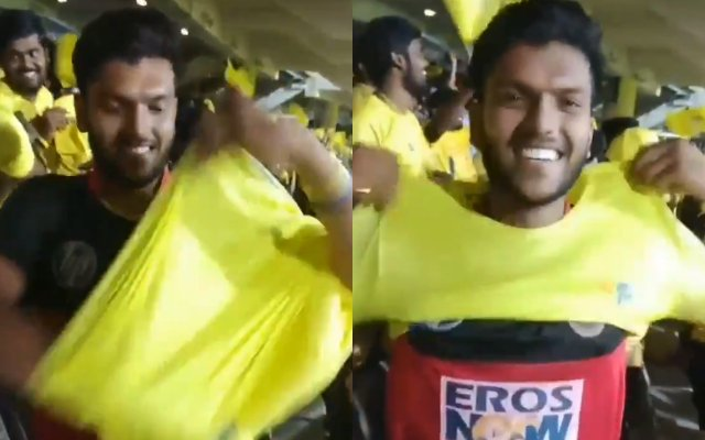 RCB-and-CSK-Fan showing t-shirt IPL