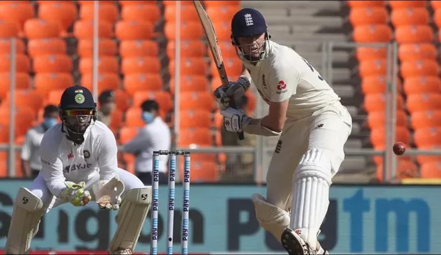 Video: Pant chirps Crawley from behind the stumps; latter throws his wicket away