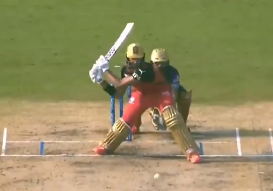 Twitter reacts as Padikkal pulls off a scintillating reverse hit for a boundary