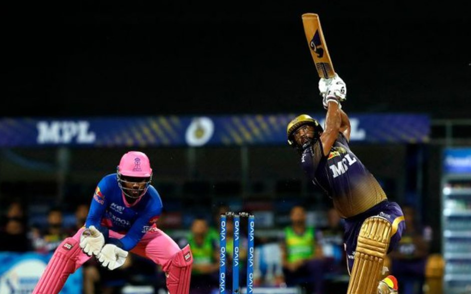 Twitter reacts as Parag and Tewatia come up with selfie celebration against KKR