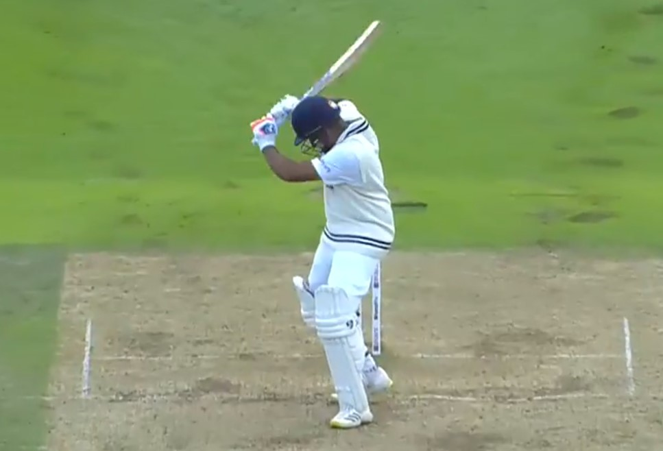 Video: Tim Southee gets rid of Rohit Sharma with a brilliant inswinger