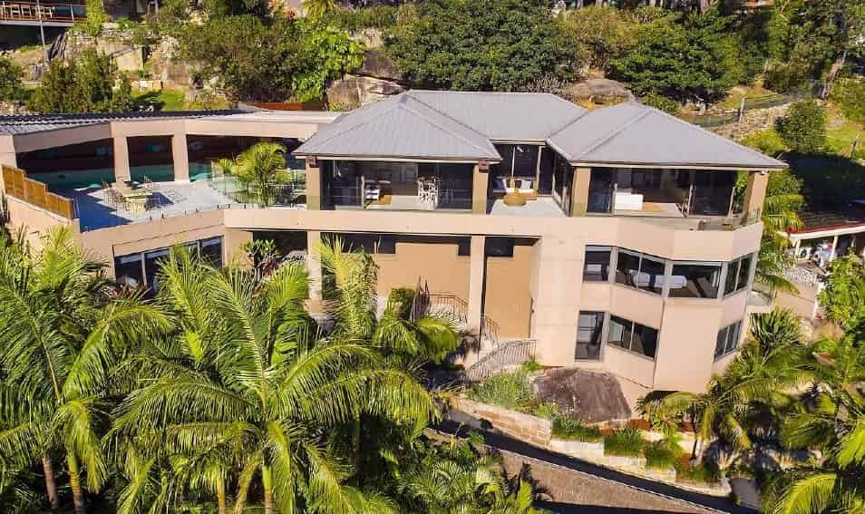 FEATURED: 10 homes of cricket superstars