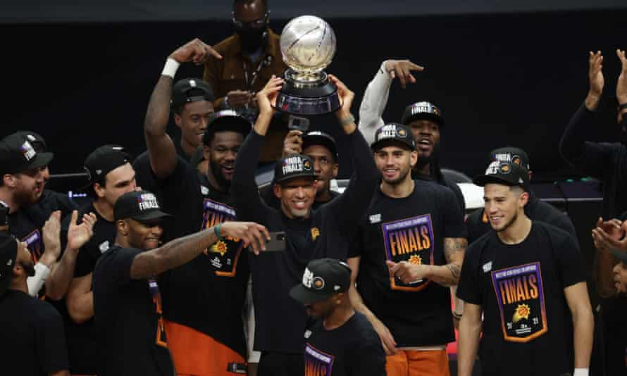 Phoenix Suns beat LA Clippers in Game 6 to clinch Western Conference title