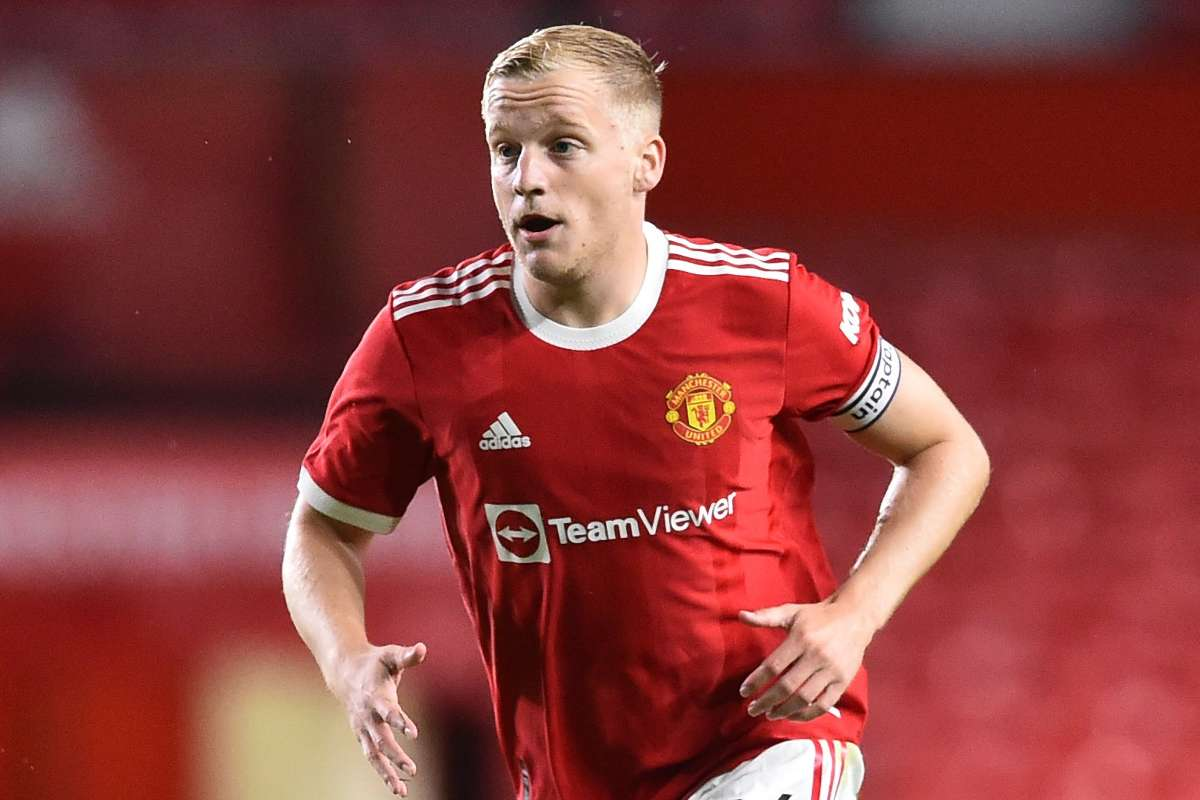 Donny van de Beek reflects on his difficult first year with Manchester  United